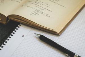 estudiar concentrado escribir