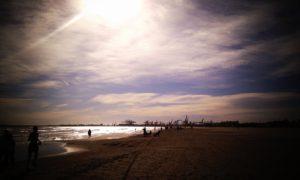 playa malvarrosa valencia fallas