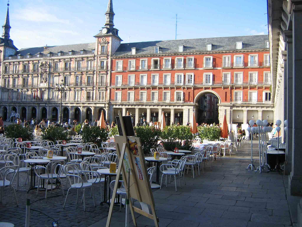 plaza mayor madrid almudena