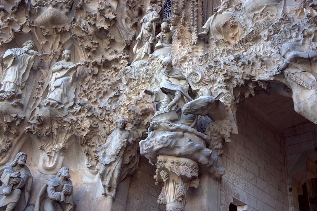sagrada familia gaudí barcelona fachada