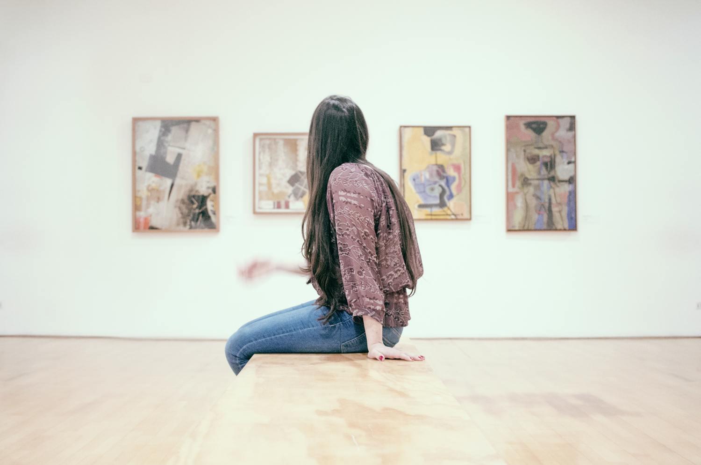 exposicion museo chica arte españa